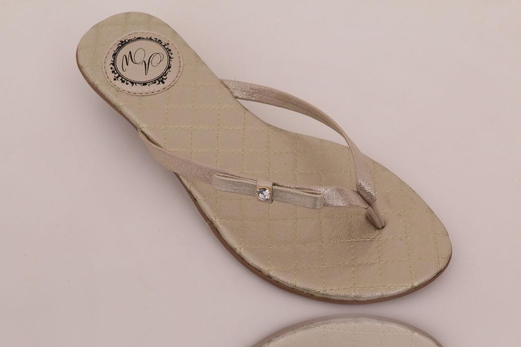 Slim Fashion palmilha Matelassê Ouro Light com laço Chanel e pedra