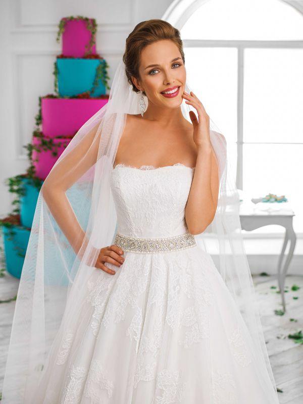 Классическое, нежно,невесомое свадебное платье от Helen Miller