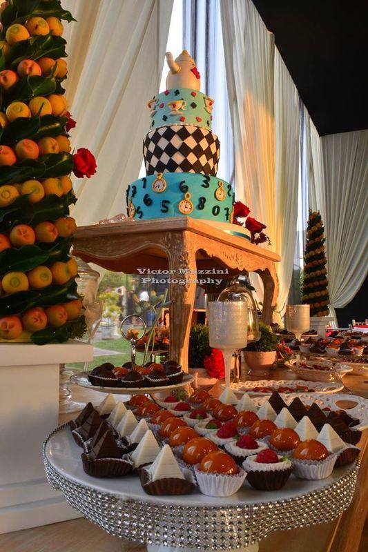 Tortas de fantasía y mesas de dulces temáticas