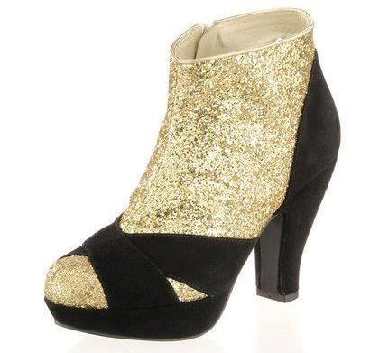 Beispiel: Schuhe, Foto: ALBA MODA.