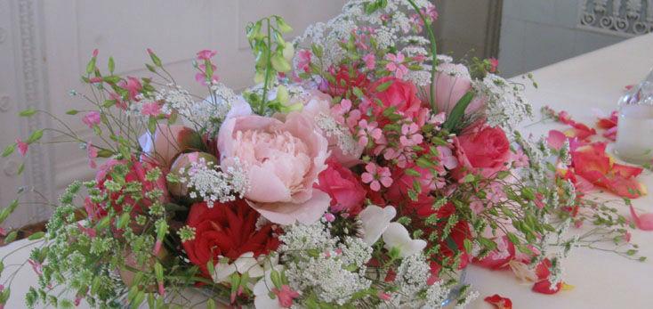 Beispiel: Hochzeitsfloristik fürs Auto, Foto: Blumenbinder Trittmacher.