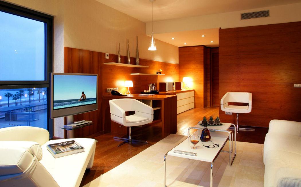 Habitaciones de diseño contemporaneo con vistas al mar