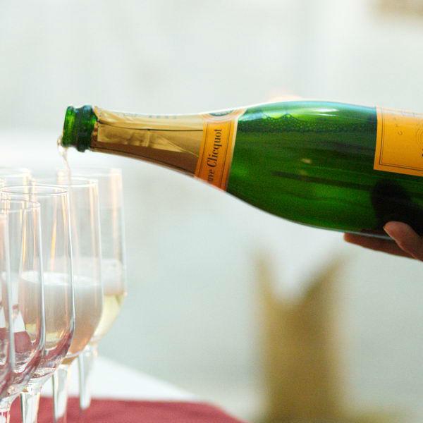 Beispiel:Champagnerapéritif zur Hochzeit, Foto: Maiergrill AG • Eventcatering & Vermietung.