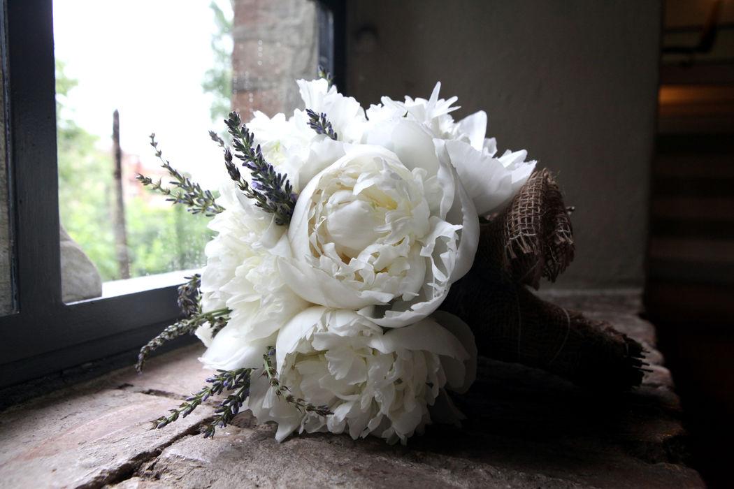 romanticismo provenzale....nel bouquet della sposa
