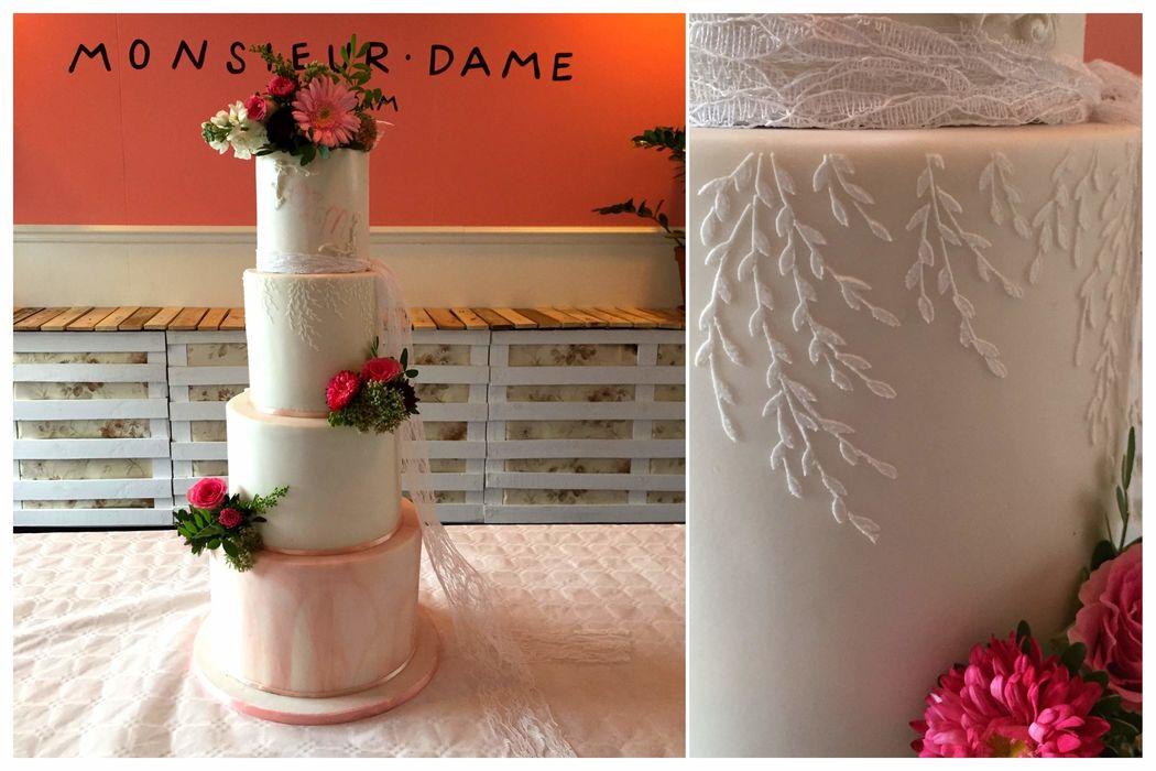 Lunaire cake