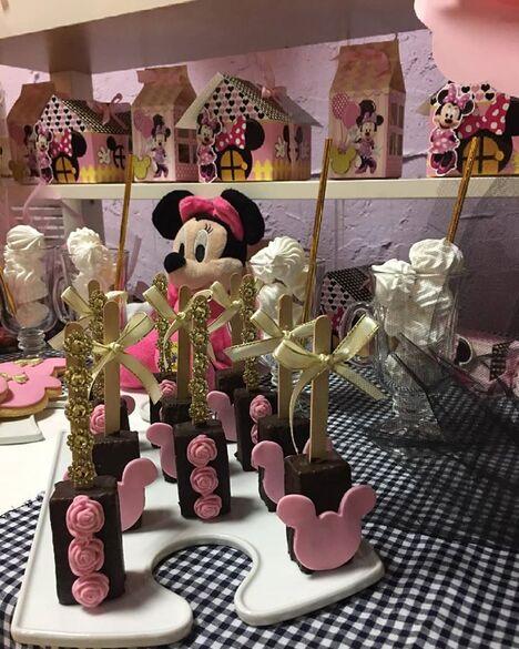 Papagayo Atelier De Fiestas