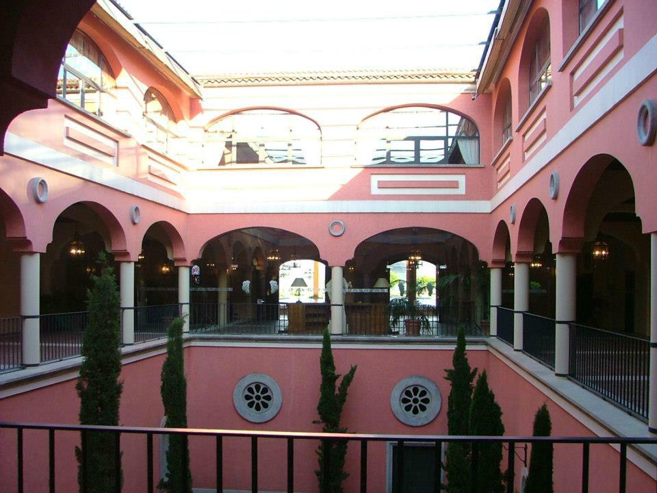 Bodega Las Granadas Coronadas