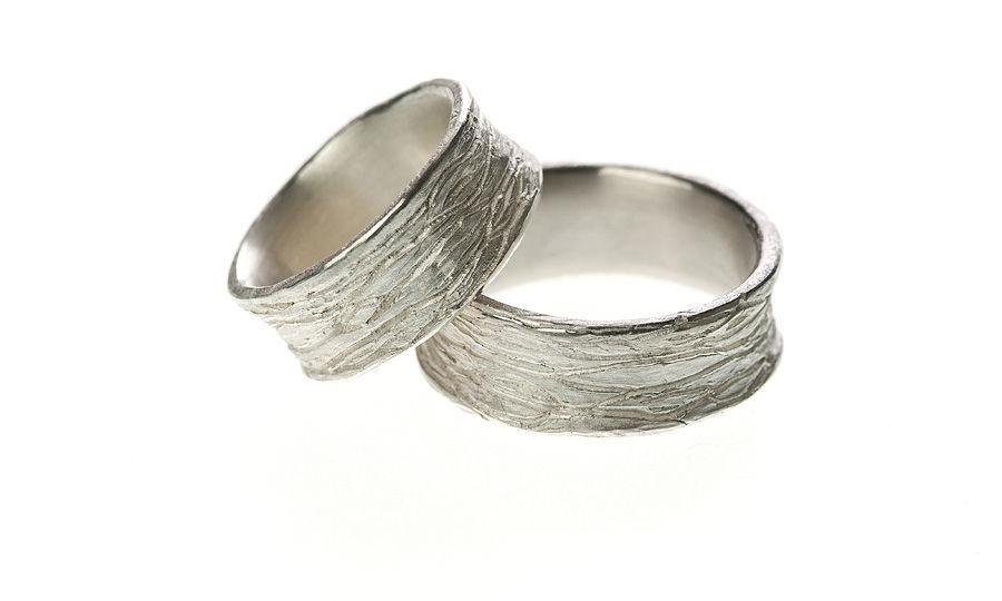 Beispiel: Ringe in Silber Einkerbungen, Foto: Eve & Me.