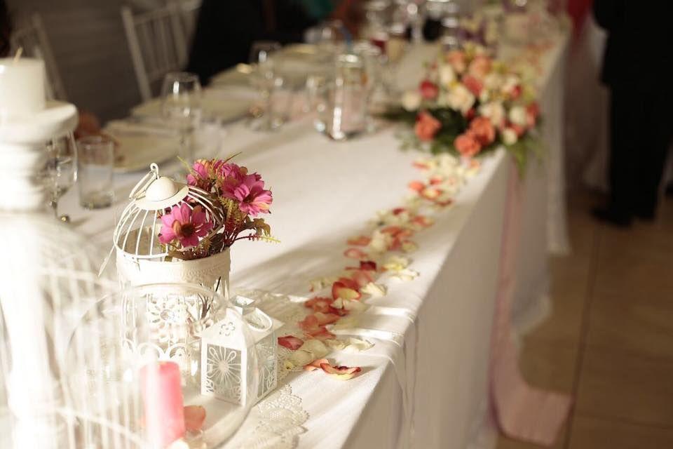 decoración de la mesa de honor
