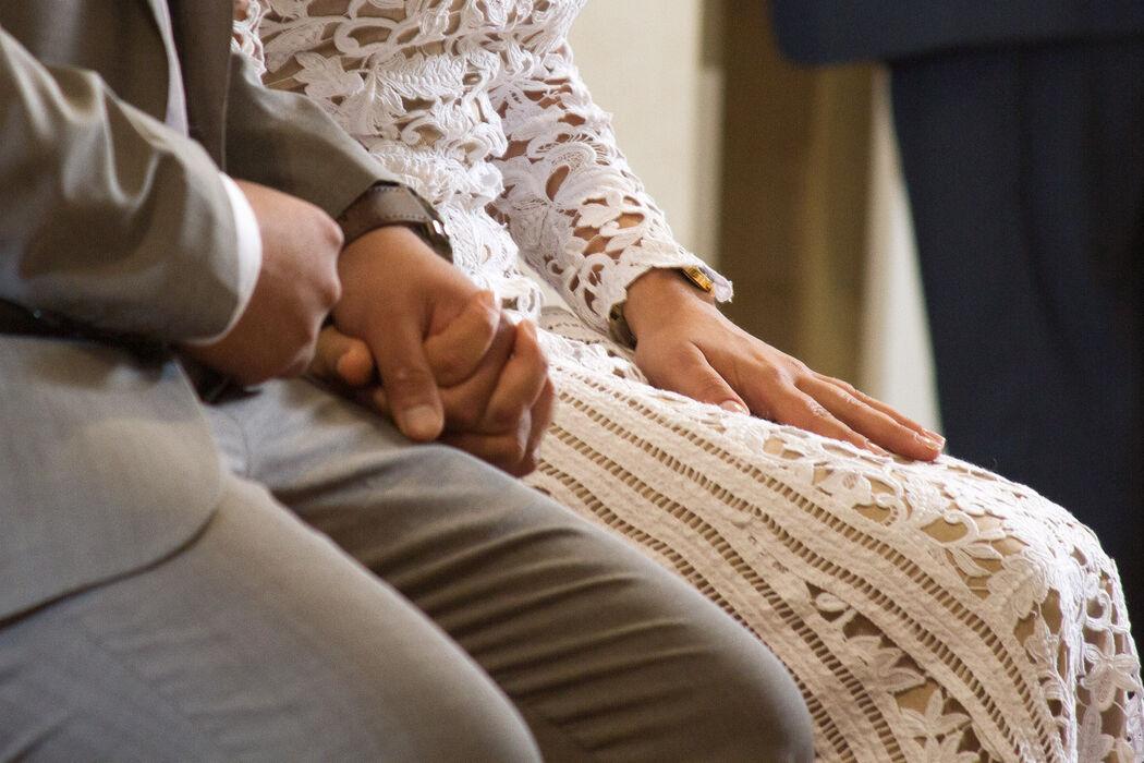 Detalle manos - Ceremonia religiosa