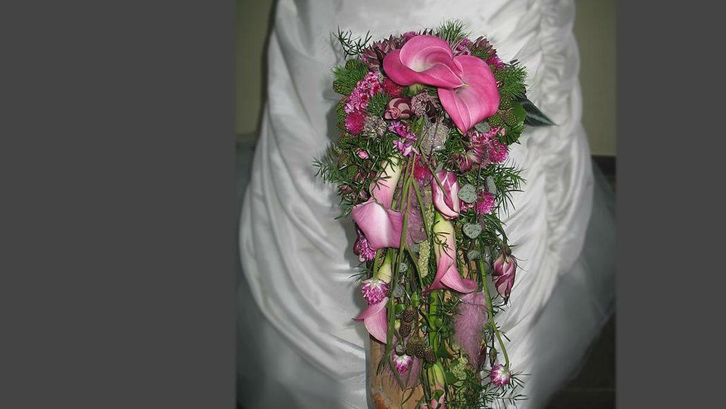 Beispiel: Brautstrauss, Foto: Kraut und Rosen.