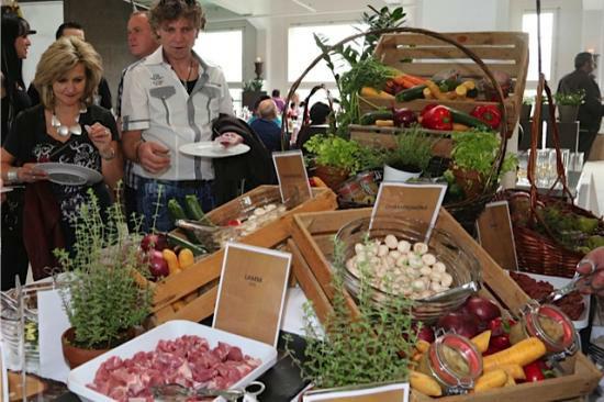 Beispiel: Reichhaltiges Buffet, Foto: Ragaz Catering.