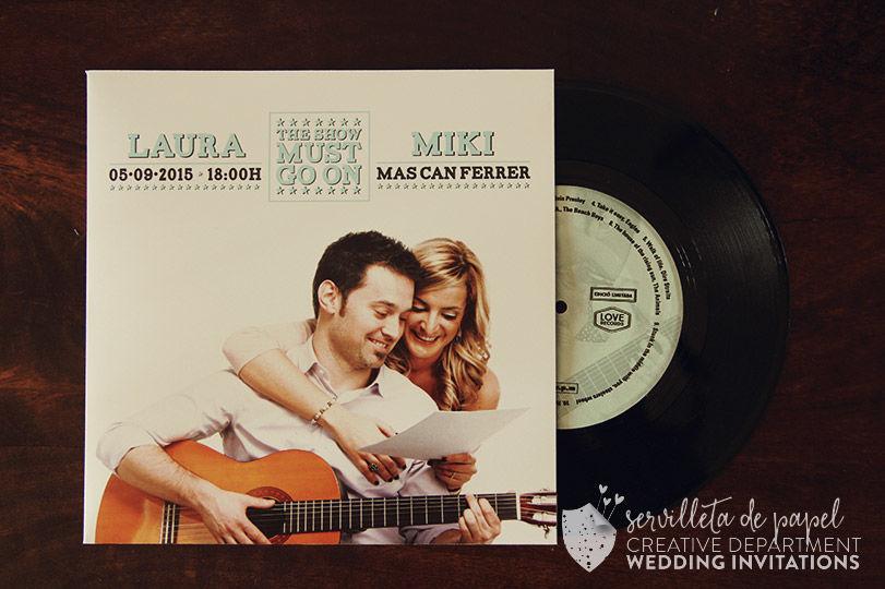 Invitación de boda Laura + Miki   www.servilletadepapel.es