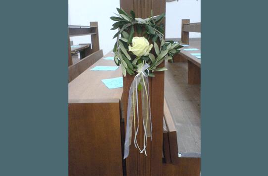 Beispiel: Kirchendekoration, Foto: Blumenhaus Nagengast.