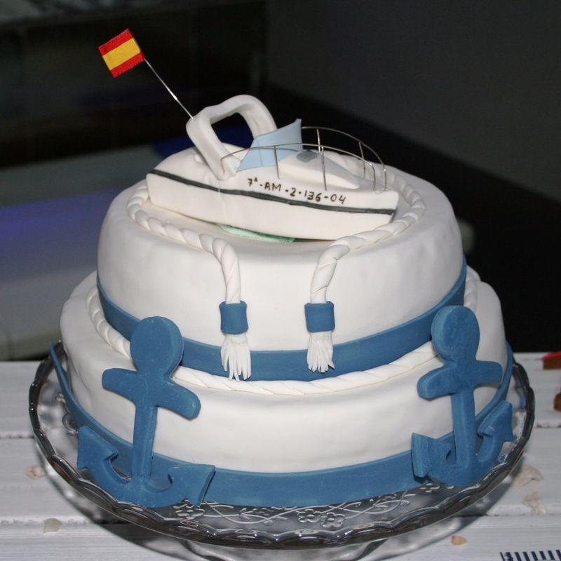Fondant cake marinero