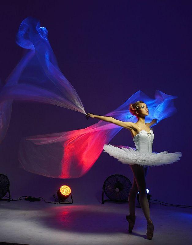 Шоу ветра от SoulShow Балерина - Татьяна Новичкова Макияж и причёска - Нелли Шварц Фотограф - Дмитрий Гуричев Фотостудия DiaPositive