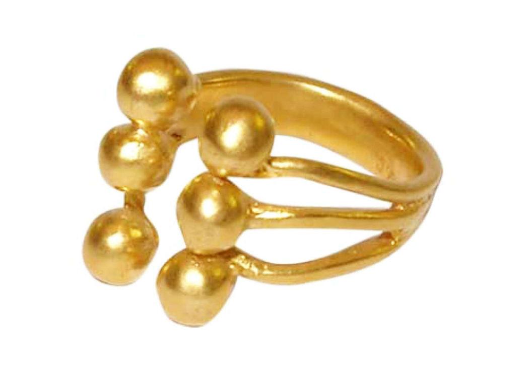 Beispiel: Trauring in Gold halb geschlossen, Foto: Casa Amberes.
