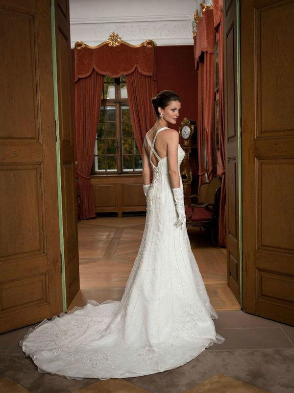 Beispiel: Brautkleider zum Wohlfühlen, Foto: sunita sood.