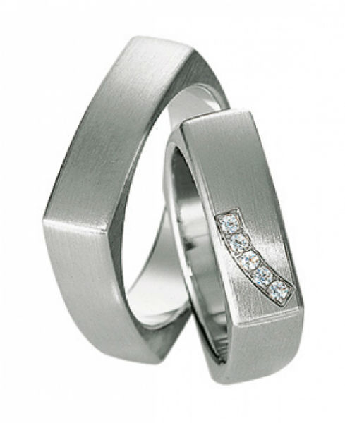 Beispiel: Ringe abgerundete Kanten, Foto: Juwelier Dietz.