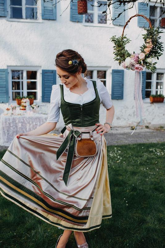MICHAELA KEUNE MÜNCHEN - Couture aus Bayern