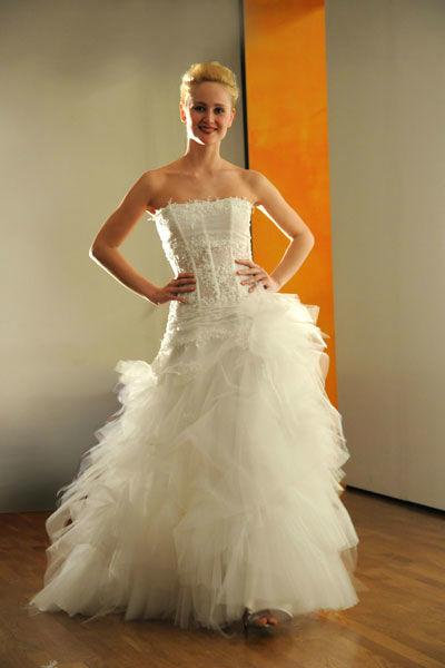 Beispiel: Einzigartige Brautmode, Foto: Meister Couture.