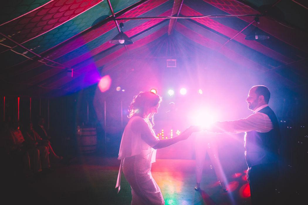 Proevento música e iluminación