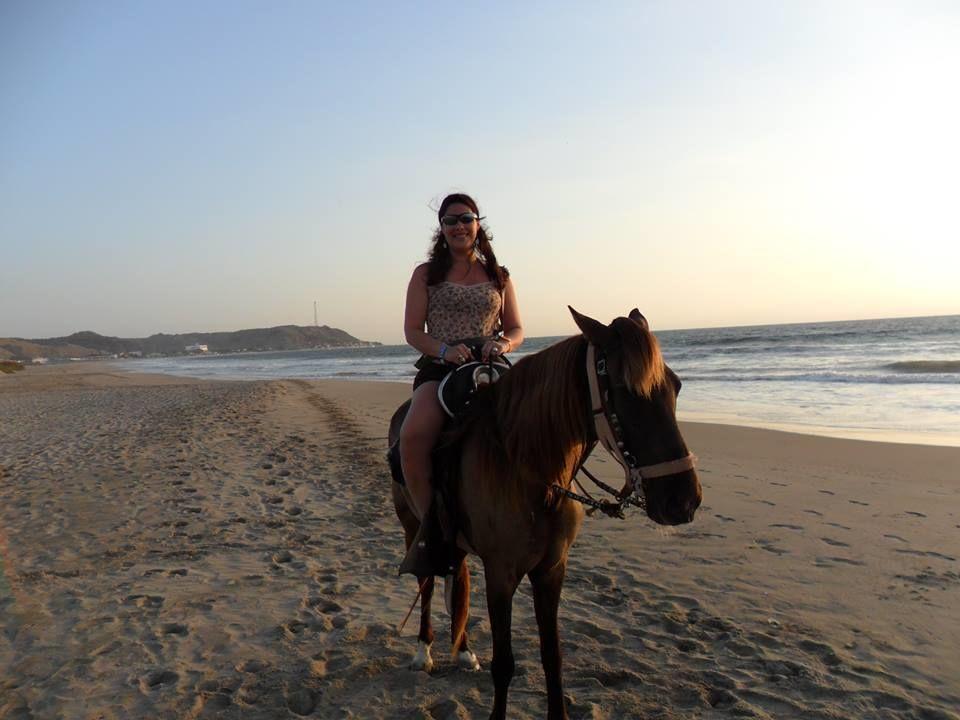 Paseo a caballo en Punta Sal.