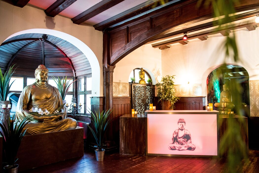 Buddha Lounge Red Mandarin