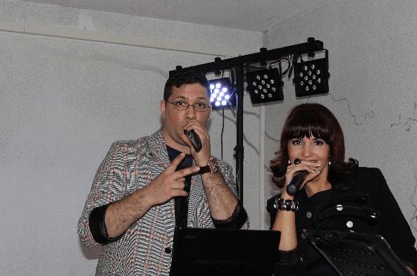 Beispiel: Sänger/in, Foto: Nella Band.