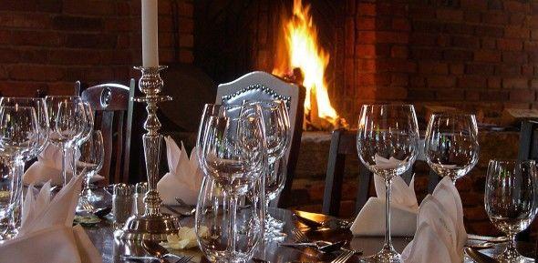 Beispiel: Tischdekoration im ländlichen Stil, Foto: Antik-Hof Bissee.