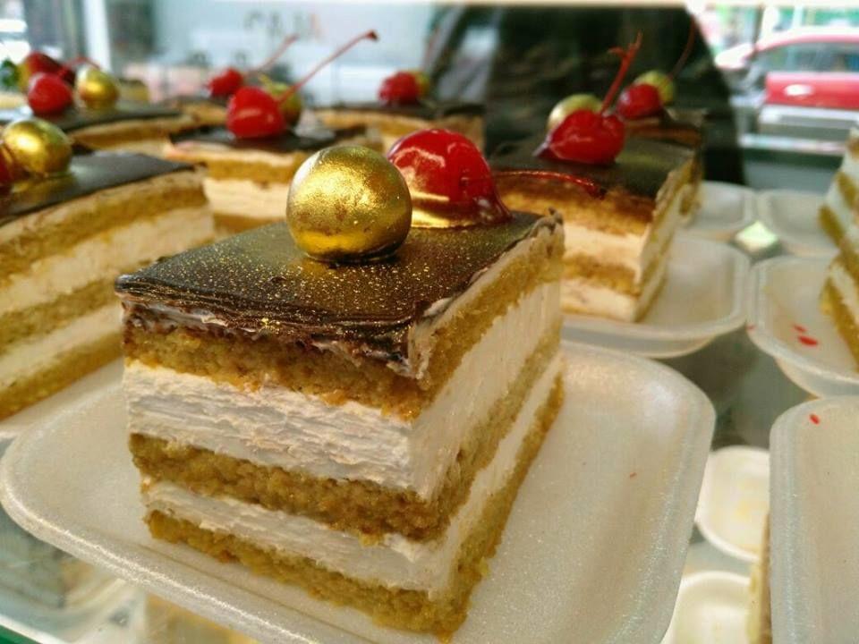 Panadería y Pastelería La Villa Suiza