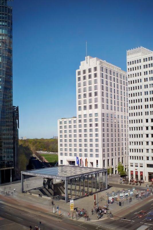 Beispiel: Hotel Außenansicht, Foto: The Ritz-Carlton, Berlin