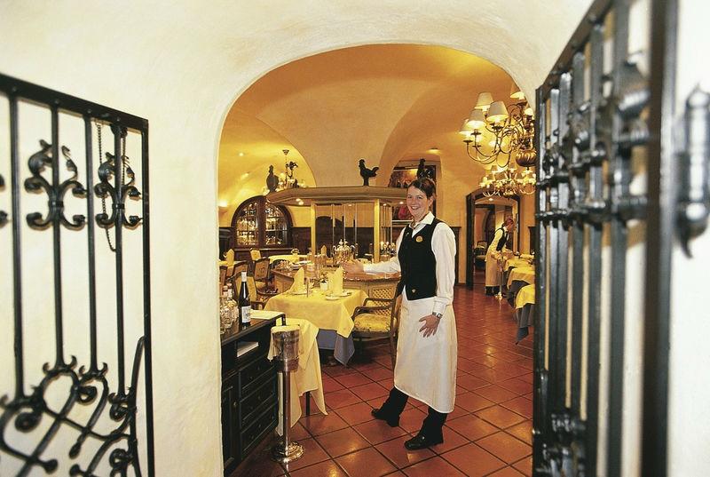 Beispiel: Service, Foto: Deidesheimer Hof.