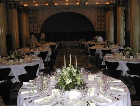 Beispiel: Hochzeitsgedeck Marmorsaal, Foto: Teehaus Weissenburgpark.