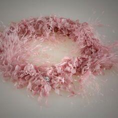 Couture. Cuello monedas pluma valentino