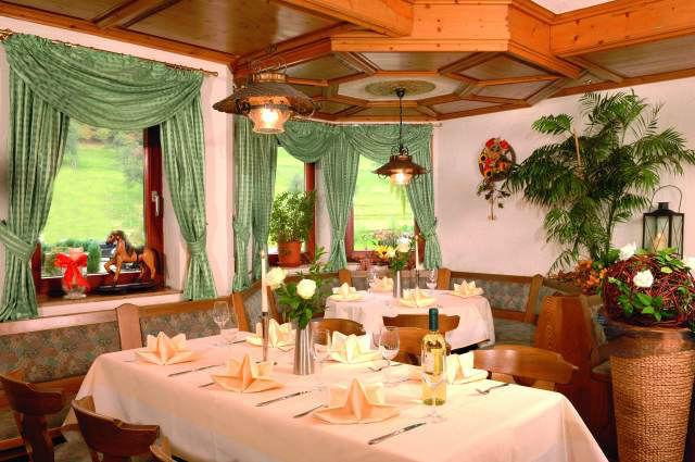 Beispiel: Gaststube, Foto: Hotel Restaurant Talblick.