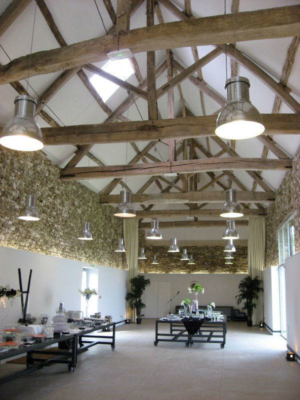 La Grange Mauvoisin ( 300m2 avec mezzanine et pergola ) et son mobilier design exclusif