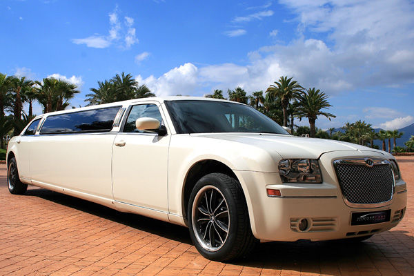 LM005 Limusina Chrysler 300