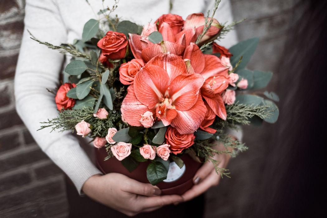 Шляпная цветочная коробка