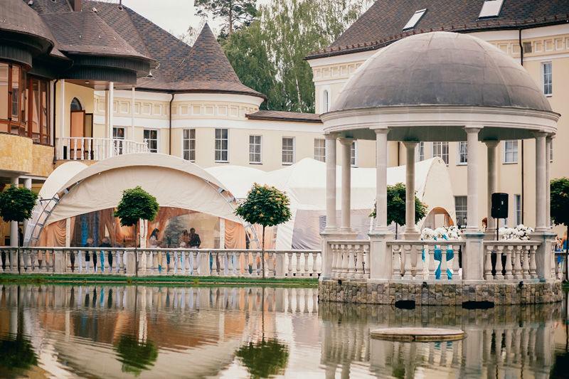 Загородный отель «Дворянское Гнездо» Шатер и ротонда у пруда
