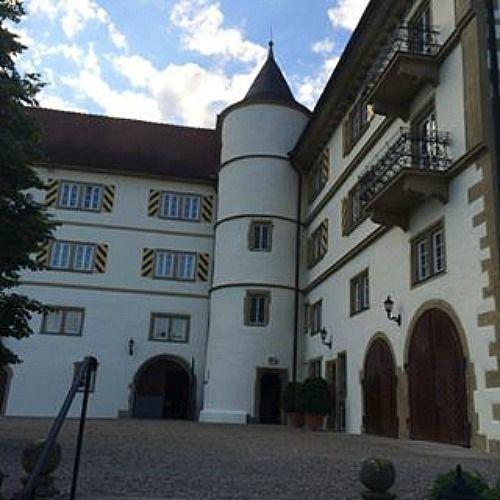Beispiel: Aussenansicht, Foto: Schloss Neuhaus.