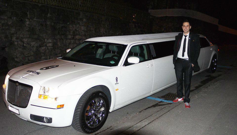 Beispiel: Das perfekte Auto für einen perfekten Tag, Foto: Krystal Limousines.