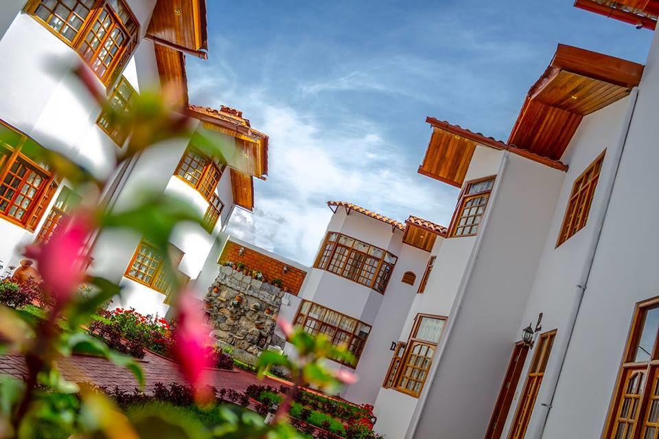 Hotel & Bungalows Villa Valencia