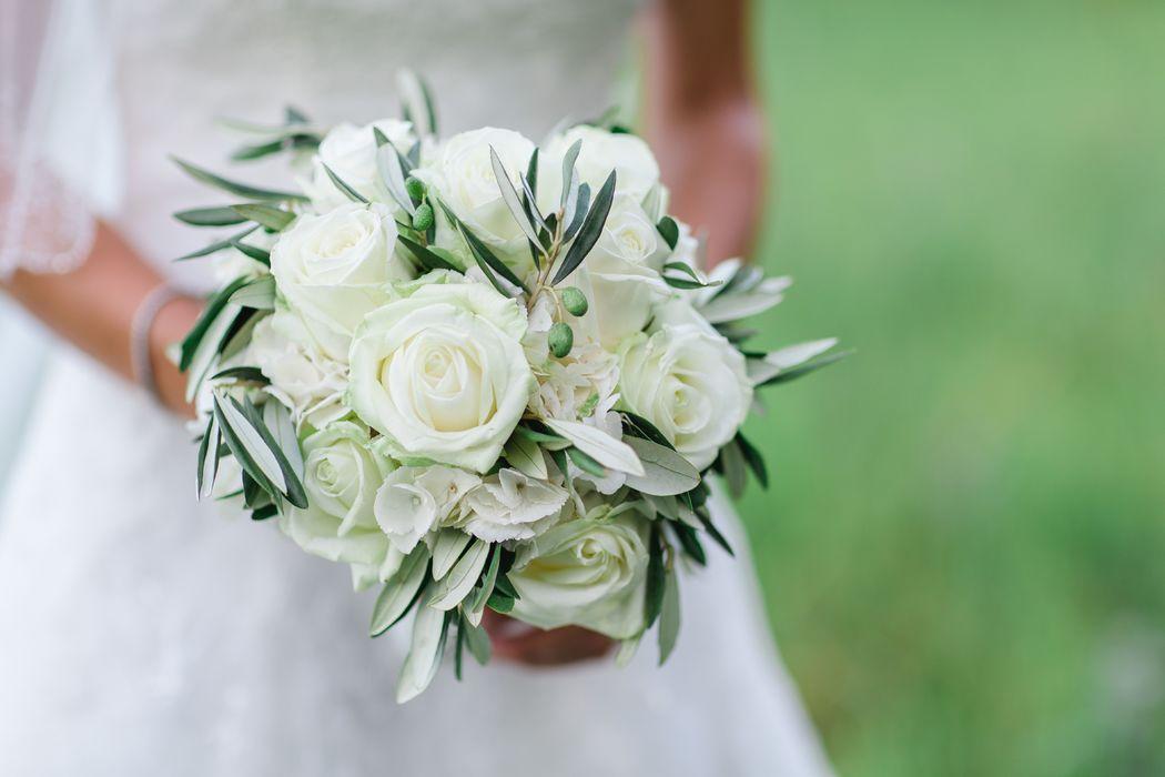Brautstrauss rund gebunden
