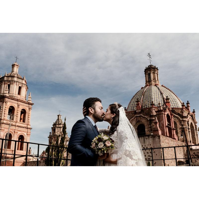 Rom Mendoza Wedding Photographer