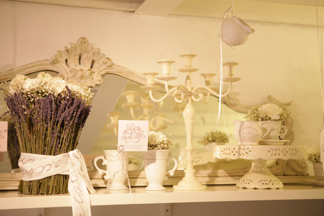 Temporary Wedding - Shabby Chic