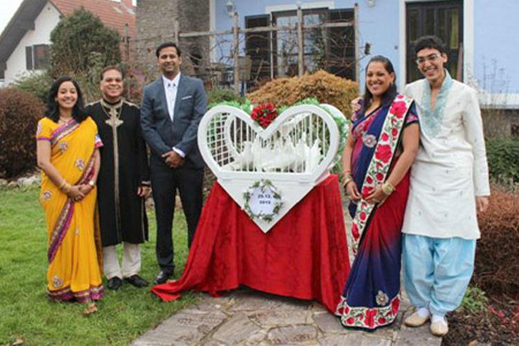 Beispiel: Weiße Tauben für Ihre Hochzeit, Foto: Hochzeitstauben.