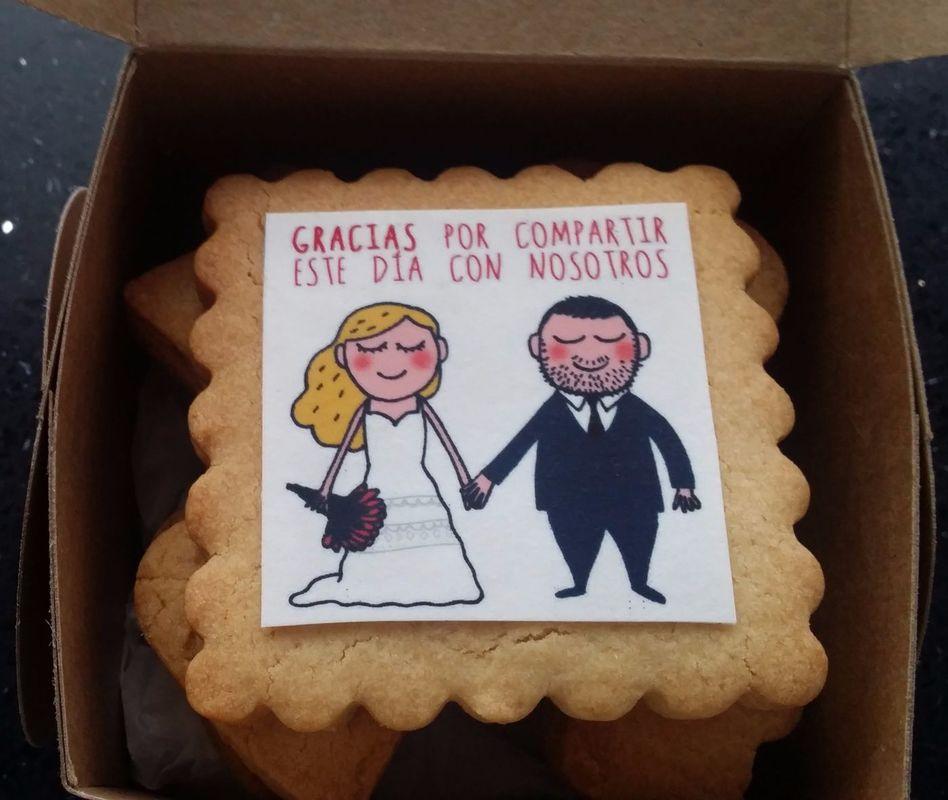Cajita con galletas recordatorio de la boda