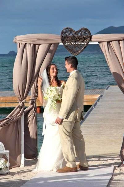 mariage sur la plage réalisé par  www.fee-des-caraibes.com