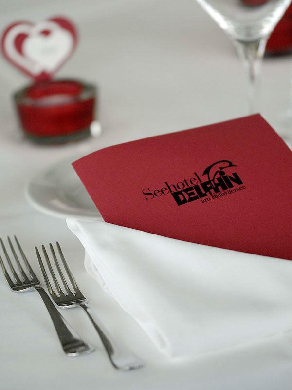 Beispiel: Tischdekoration, Foto: Seehotel Delphin.